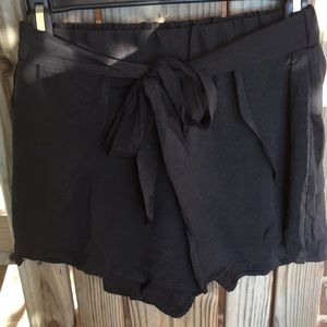 Pants - Black Day Out Shorts